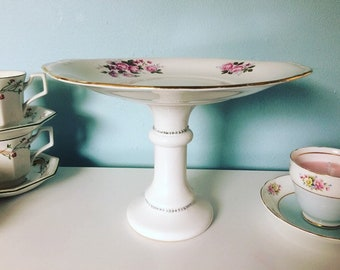 Elegant upcyled cake stand using vintage itens