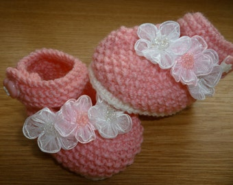 Pink baby booties, crocheted baby booties, baby booties, handmade baby booties, knitted baby booties
