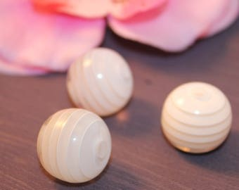 Pearl acrylic 20mm striped White jewelry