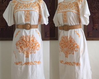 Vintage 60s / Hippie / Boho / Mexican / Embroidered / Short Sleeve / Day Dress / Size Large
