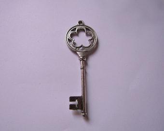 silver pendant key 77mmx26mm