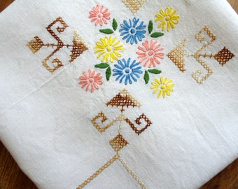 Linen tablecloth White dining table cover topper Cross stitched floral embroidery table cloth Garden party farmhouse decor vintage linens