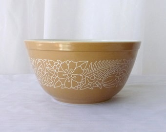 Beautiful mixing bowl / Beautiful Mixing Bowl - PYREX - #402 - boss WOODLAND Pattern - Beige and white - 1970s - Vintage - Retro