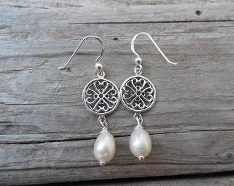 Fresh water pearl earring handmade in sterling silver
