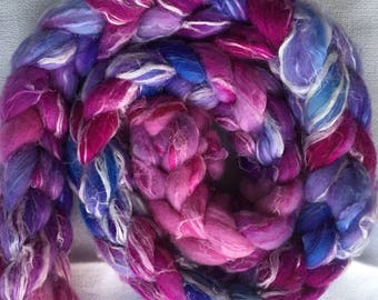 Hand-dyed combed for spinning with linen
