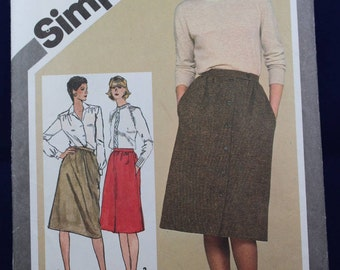 Sewing Pattern for a Set of Slim Skirts in Size 12 - Simplicity 9789