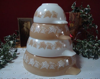 """Vintage PYREX Complete Set of """"Sandalwood"""" Pattern Cinderella Mixing Bowls in Beige and White, 441, 442, 443, 444, ca. 1960's"""