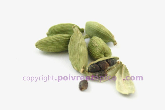 GREEN CARDAMOM pods, whole