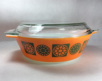 Vintage Pyrex bowl casserole dish Medallion Five rare pattern with lid 1969-70 orange and green pattern large size 3 pint bowl 02180350
