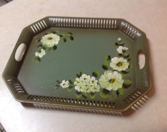 Vintage NASHCO metál sage green toleware tole serving tray hand painted white flowers, tole serving tray, green toleware tray, Nashco tray