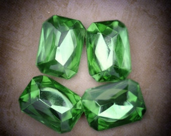 18x13mm Vintage Octagon Peridot Glass Jewels Stones Gems, Smooth Tops, Foiled Backs, Quantity 4