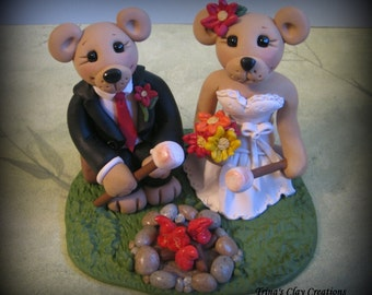 Wedding Cake Topper, Custom Bride and Groom, Bears Roasting Marshmallows, Personalized, Camping, Polymer Clay Wedding/Anniversary Keepsake