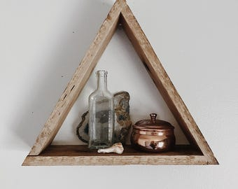 Triangle Shelf/ Reclaimed Wood/ Pallet Shelf/ Geometric/ Geometric Shelf/ Pallet Art/ Reclaimed Wood Shelf/ Rustic Home Decor/ Shabby Chic