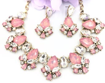 Pink crystal statement necklace, bridal necklace, bib necklace, bib statement necklace, wedding necklace, party jewelry, evening jewelry,