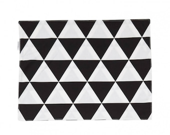 Triangles placemat
