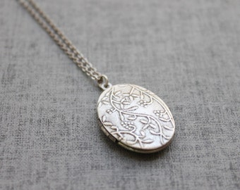 Vintage style double side vine pattern oval Locket, Silver locket personalized Initial Necklace - S2066