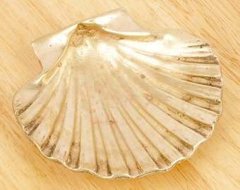Shell Soap dish / Ring or jewellery plate / Sweet tray / Could be used as ashtray / Shell Shape bowl || Vintage Solid Brass