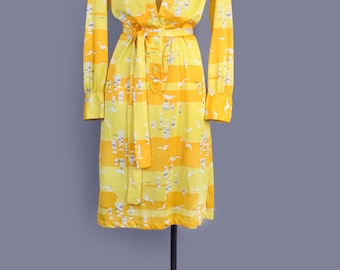 1960's VERA Seagull Print Designer Vintage Dress - Yellow Summer Shirt Dress, 60's Day Dress -  Medium