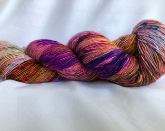 STACYS HEART - super wash merino single ply 400yds