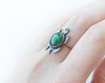 SALE! Emerald Turtle ring, emerald colour agate, solid copper, tortoise, turtle, animal, pet, cute, green cabochon