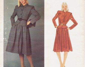 1980er Jahre Valentino Frauen Schößchen Jacke & Rock Vogue Schnittmuster 2566 Größe 8 Büste 31 1/2 UnCut 80er Jahre tut 40er Jahre Original Designer-Muster