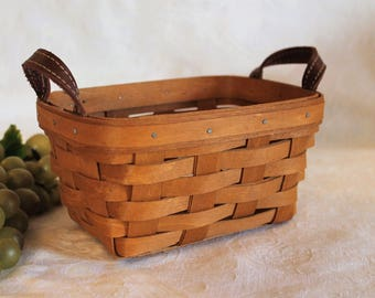 Longaberger Tea Basket with Leather Handles in Excellent Condition