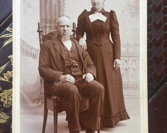 Antique Cabinet Card - Photo of a Married Couple - Victorian/Edwardian - 1800s (19th Century)
