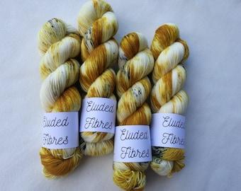 merino wool nylon hand dyed sock yarn 100g / 425m / Eluded Fibres / GOLDILOCKS