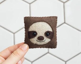 Sloth Felt Face (w/ Acrylic Stand)