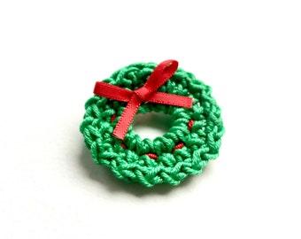 Crochet wreath brooch - Christmas brooch - Christmas pin - wreath pin - Christmas accessory- stocking filler - stocking stuffer