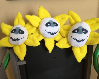 Flowey Plush (smaller) - Undertale Inspired