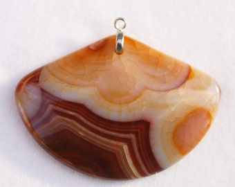 Chocolate and Carmel Colored Dragon Veins Agate Fan-Shaped Pendant A+