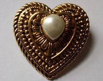 Heart Pearl Taiwan Brooch (Vintage)