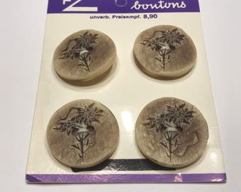 4 Vintage German Horn Buttons with Edelweiss Decor, 1 inch (37)