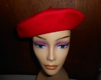 Womens Vintage Red Kangol Beret Hat