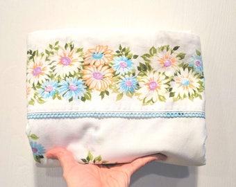 Vintage Twin Flat Sheet / Purple Blue & Peach Floral / Vintage Bedding