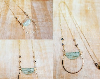 Stunning Aquamarine Necklace detailed with Labradorite