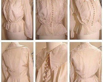 FLASH SALE****1930s Ivory Rayon Blouse with Large Puritan Collar and Peplum!