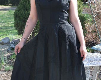 Gorgeous Vintage 1950s Black Taffeta Circle Skirt Party Dress Prom Gown S