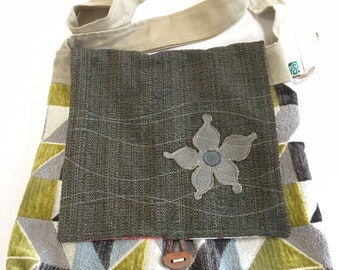 Geometric patterns green/grey Messenger Bag