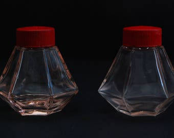 Vintage Salt and Pepper Shakers, Glass Jar, Red Glass, Vintage Kitchen Collectible, Art Deco