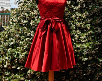 Short  red gown  in pure silk duchesse and lace, coktail red dress , 50s dress