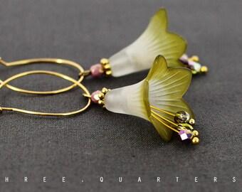 Earrings, hoops, gold, flowers, lime green, white, wedding, fancy, design, jewelry, green, boheme, romantic, vintage, antique, bronze