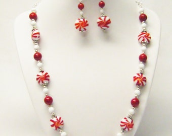 Red/White Peppermint Stripe Disc Glass Bead Necklace/Bracelet/Earrings
