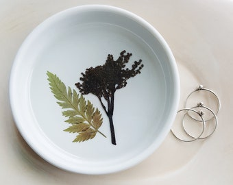 Purple and Green Ring Dish, Elderberry and Fern Ring Dish, Real Flower Ring Holder, Pressed Flower Dish, Jewelry Storage, Trinket Tray