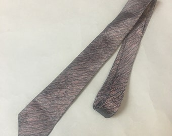 Vintage skinny tie / vintage tie / abstract tie / skinny tie