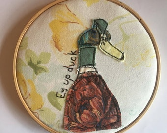 Handmade Duck Picture | Unique Gift Made With Vintage Fabrics | Freemotion Embroidery | Hoop Art | Textile And Fabric Art