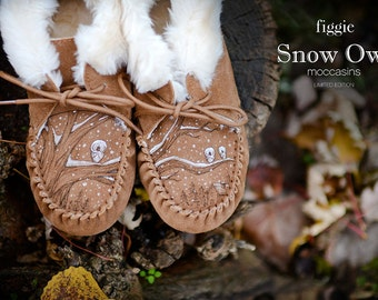 CHRISTMAS GIFT, Snow Owl Moccasins, Hand-Painted by Figgie