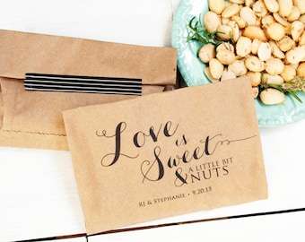Love is Nuts Wedding Favor Bag - Personalized Nut Favor - Candied nuts - Hazelnut favor - Peanut Favor -  20 Bags