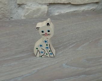 Wooden cat painted decor